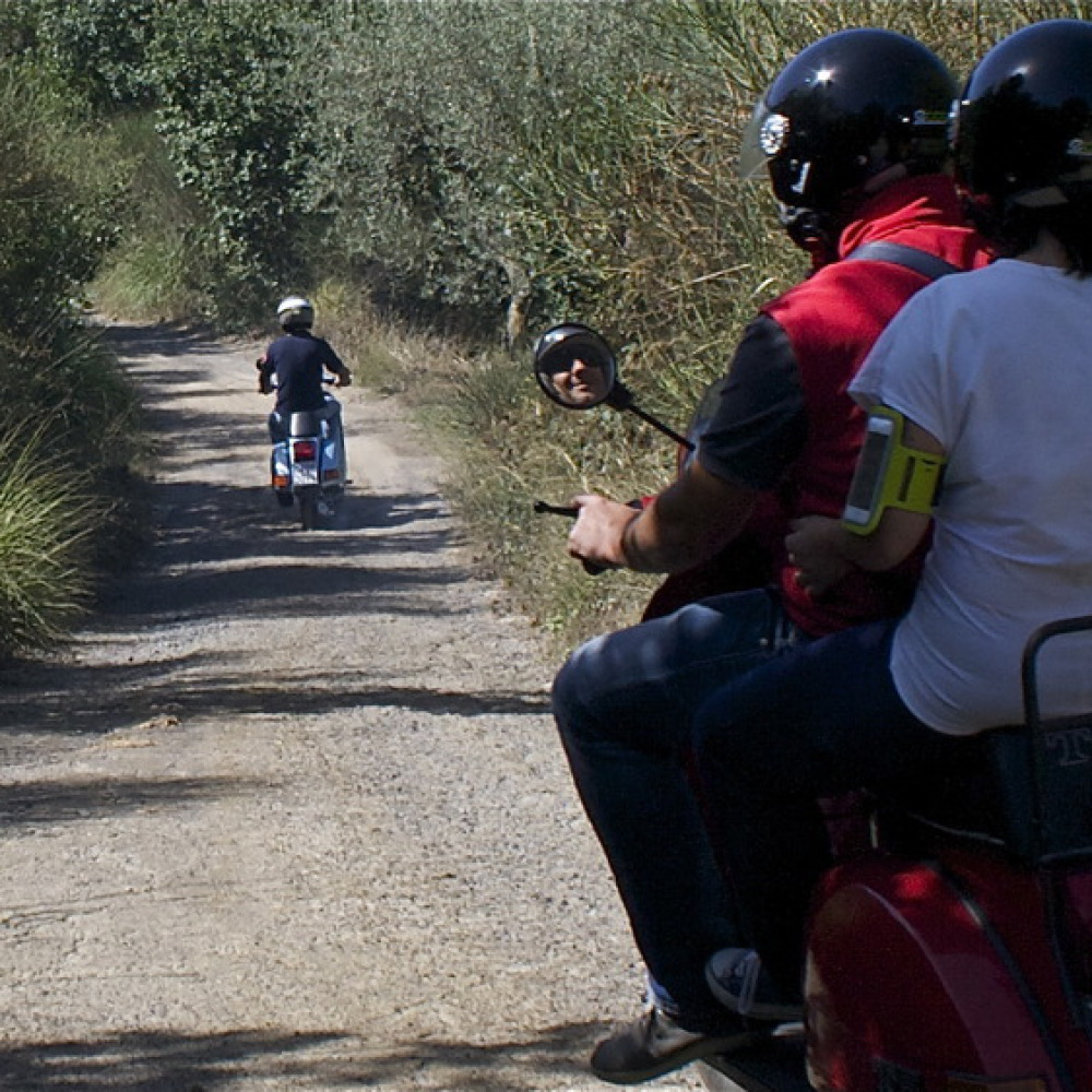 Vespa tour on the Etruscan Coast