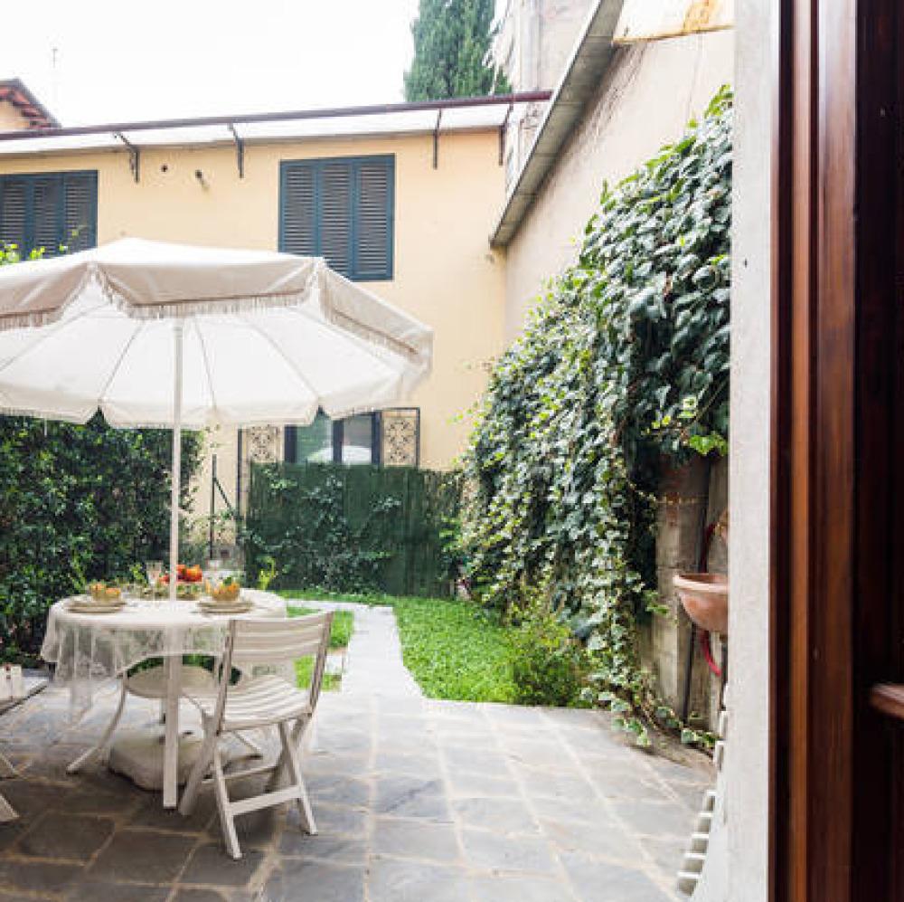 Ampio Loft con patio nel centro di Firenze